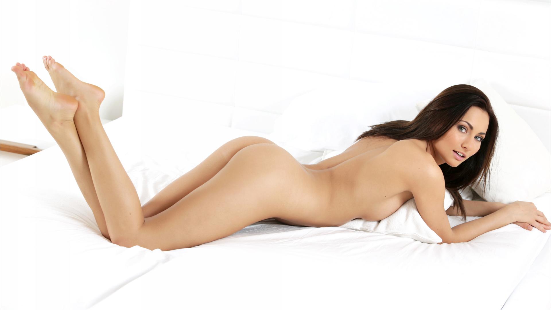 Michaela Clark Nude